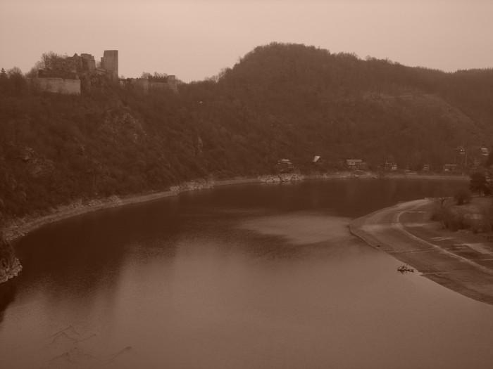 Vranovská přehrada s Cornštejnem